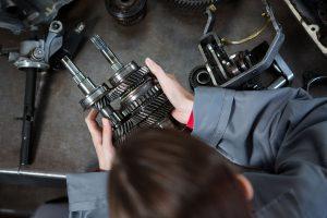 Spare part mobil sendiri bukan hal yang sulit untuk dijumpai di pasaran